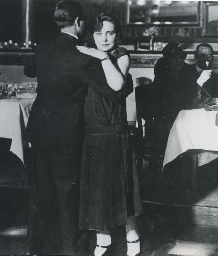 1924 - Paris Couple Dancing